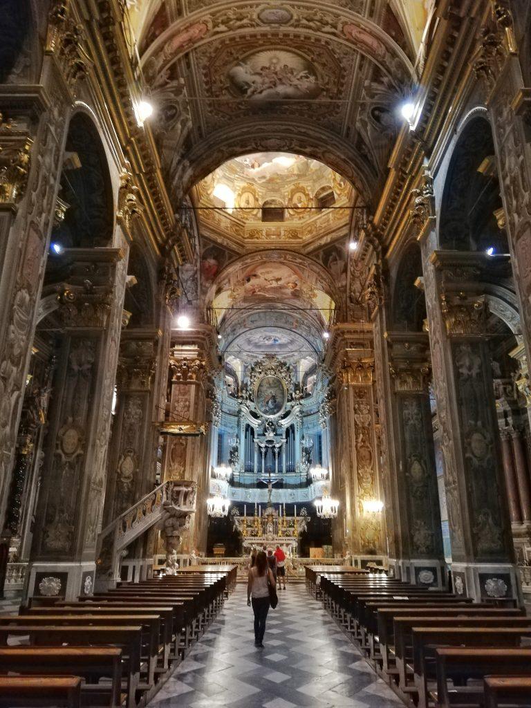 Finalborgo - interno chiesa